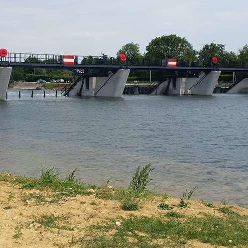 Barrage de Saint-Bond